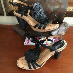 Born Crown Leather Sandals Heels Wore1X $118 Sz 10